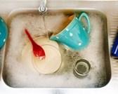 8 sai lầm phổ biến khi sử dụng nước rửa chén gây hại cho sức khỏe