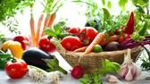 12 loại rau củ quả được công bố 'độc' nhất năm 2016