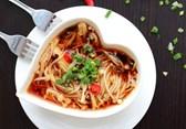 Tuyệt chiêu nấu canh nấm kim châm sốt thịt băm chua cay xuýt xoa ngon tuyệt ngày lạnh