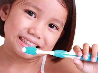 Viêm họng cấplà bệnh rất hay gặp vào mùa lạnh. Bệnh đặc biệt nguy hiểm với trẻ em nếu không được phát hiện và điều trị sớm. Chính vì vậy, việc phát hiện