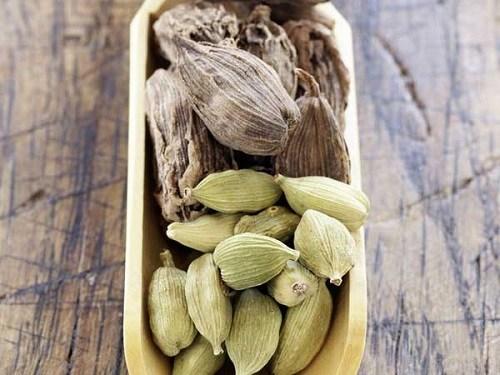12 cách trị đau dạ dày đơn giản mà hiệu quả Gừng có đặc tính chống viêm và chống oxy hóa. Có thể dùng một tách trà gừng để làm hạ ngay cơn đau dạ dày,