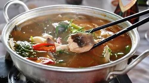 Cá lănglà loại cá da trơn. Thịt cá rất mềm, thơm ngon, ítxươngdăm, giàu chấtdinh dưỡng, thịt cá lại không có dăm xương,… nên được nhiều chị em rất ưa