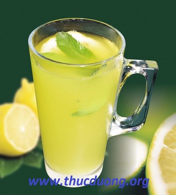 Cách giải rượu đơn giản hiệu quả với quả cam, chanh; bột sắn dây, hạt sen, trà, cà phê… có chứa nhiều loại vitamin, đường fructose, hoặc một số hoạt chất có
