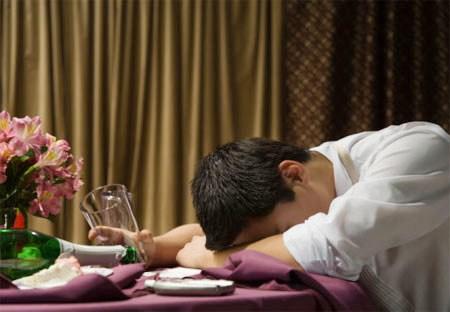 Theo Thạc sĩ Lương y Vũ Quốc Trung thuốc giải rượu không hề tốt như người ta vẫn nghĩ, nó có thể gây nên tác dụng phụ.  Uống rượu sao cho không hại gan?