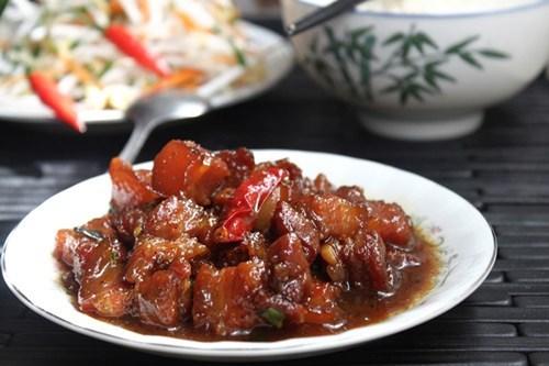 10 bí quyết làm thịt kho tiêu chuẩn vị