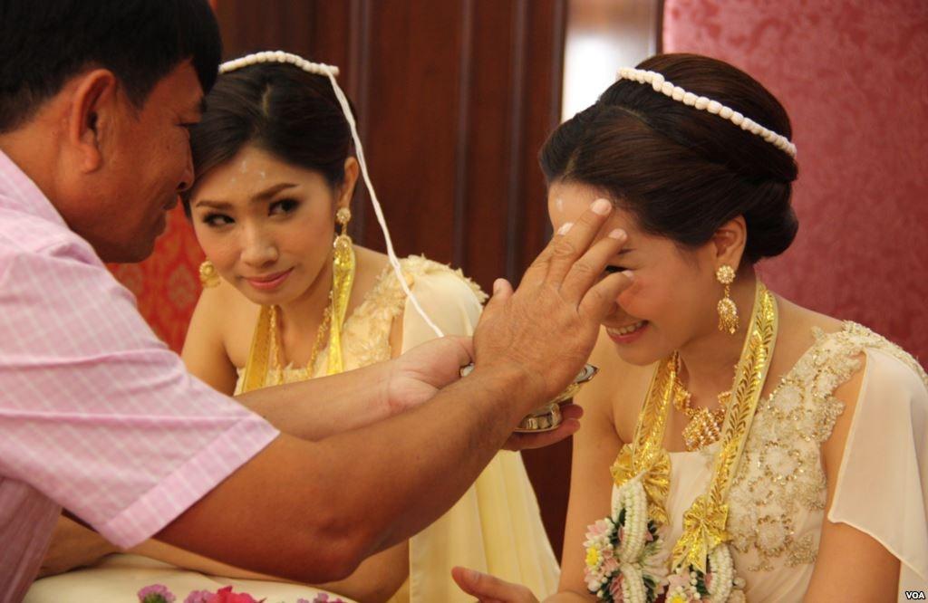 Phong tục cưới hỏi của người Thái Lan: Hôn lễ cúng ma