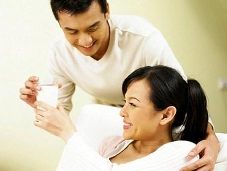 Chăm sóc bà bầu đúng cách: Quan hệ vợ chồng khi mang bầu
