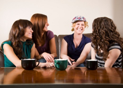 LÀM THẾ NÀO ĐỂ BẠN NÓI CHUYỆN HAY? Bạn có biết rằng, nói chuyện hay không phải chỉ do năng khiếu mà đó còn là một kỹ năng có thể rèn luyện được. Ngày nay,