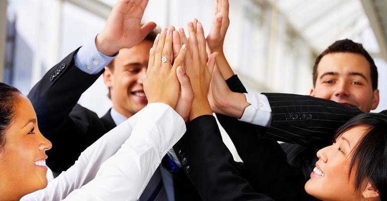 Giao tiếp tốtlà điều kiện tất yếu dẫn đến thành công vì vậy cần phải giao tiếp hiệu quả và khéo léo. Dù bạn sử dụngcông cụ giao tiếpnào như gặp mặttrực
