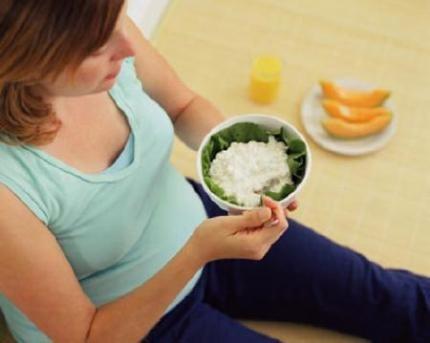 Chế độ ăn cho bà bầu 4 tuần đầu