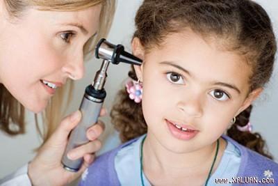 Bệnh ù tai và cách điều trị