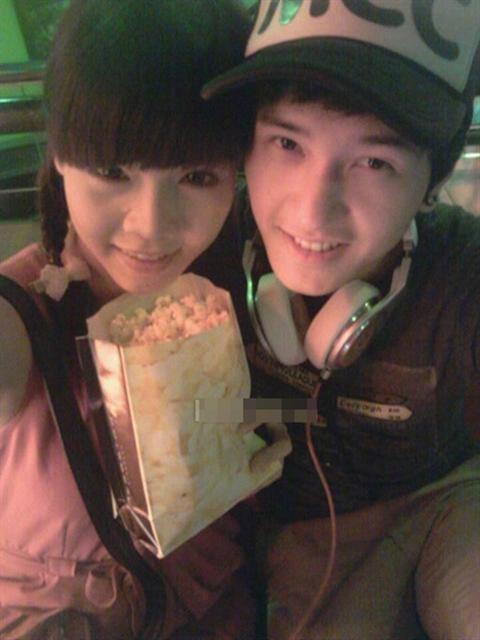 Bạn gái hot boy Huỳnh Anh
