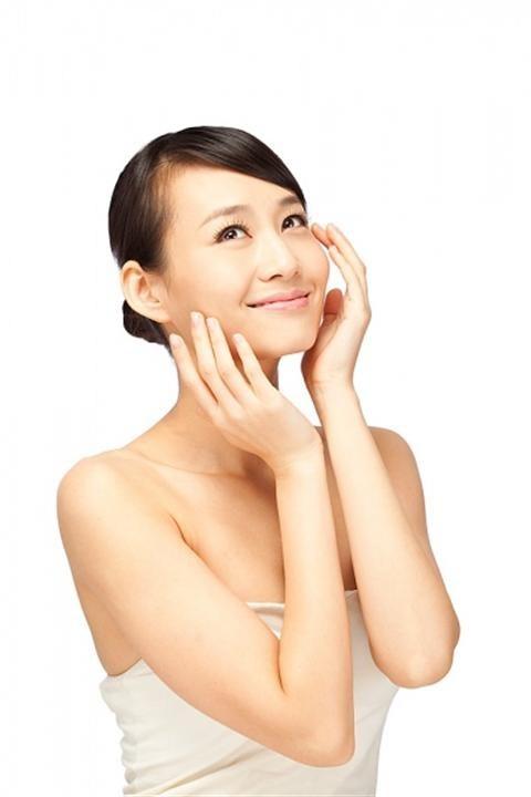 Tự chế kem dưỡng vùng mắt