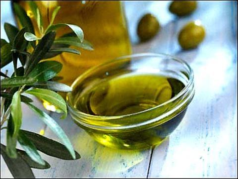 Làm đẹp với dầu oliu và mật ong