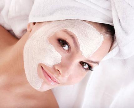 Nếu bạn đã khám phá ra được nhiều loại mặt nạ làm đẹp da thì hôm nay hãy cùng khám phá thêm một loại mặt nạ làm đẹp da mới từ bột mì nhé! Bột mì chứa