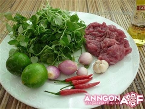 Thịt bò trộn rau càng cua