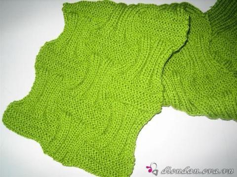 Kiểu 1 Để đan khăn theo kiểu trên bạn hãy làm theo hướng dẫn sau nhé: CÁCH ĐAN: bắt 54 mũi (hoặc chia hết cho 18) dòng 1 (mặt phải) :21mũi xuống,