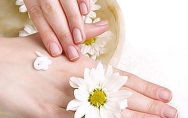 Cách dưỡng da tay bị khô đơn giản cực kì