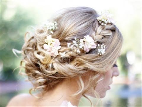 Những kiểu tóc tết cho cô dâu 2013