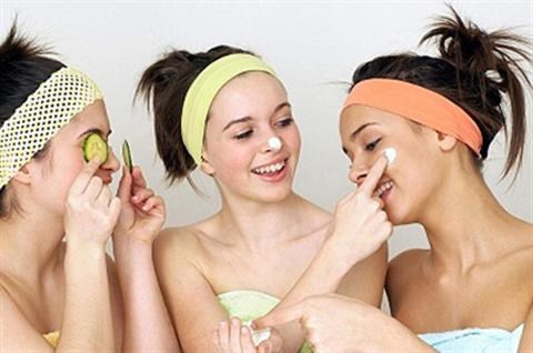 Bí quyết làm sạch chất nhờn trên da