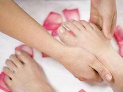 Phù chân khi mang thai - nguyên nhân và cách điều trị