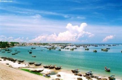 Những cảnh đẹp ở Mũi Né hút mắt với biển xanh, cát trắng. Rất nhiều du khách trong và ngoài nước chọn Mũi Né – Bình Thuận để đi du lịch bởi quan cảnh nơi