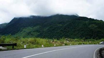 Những cảnh đẹp ở Mộc Châu xanh mướt với núi rừng