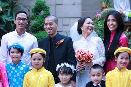 """Ảnh cưới Kim Hiền. Những bức ảnh đẹp nhất trong trang phục cô dâu của gái 1 con xinh đẹp, trẻ trung nhất làng giải trí Việt. Đám cưới lần 1: """"Quý tử"""""""