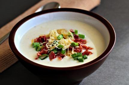 Bữa sáng được bát súp khoai tây này thì còn gì bằng. Bạn sẽ cảm thấy thật sảng khoái khi bắt đầu một ngày mới đấy! Hướng dẫn nấu súp khoai tây ngon