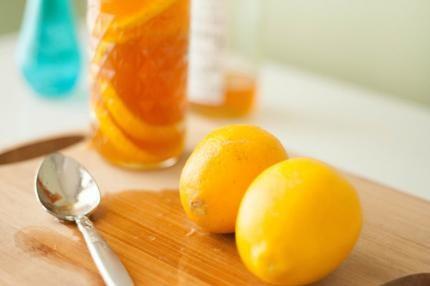 Trong dân gian có nhiều bài thuốc trị ho hiệu quả và an toàn từ những loại cây trái có sẵn trong vườn nhà mà các mẹ có thể tham khảo như sau: Trị ho