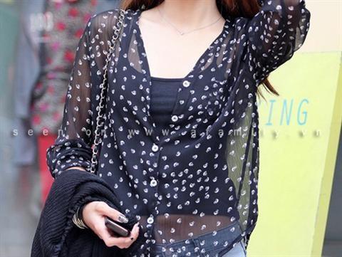 Kiểu áo may từ vải voan cực xinh cho cô nàng công sở