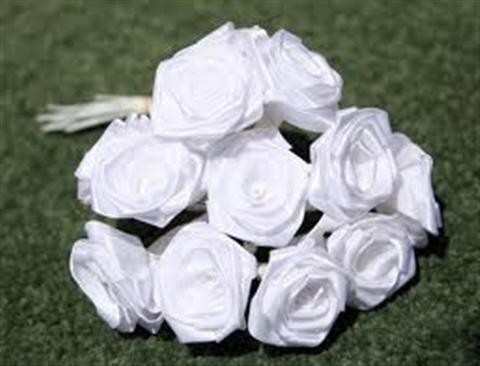 Cách làm hoa hồng bằng ruy băng đơn giản cực đáng yêu. Cùng thể hiện sự khéo tay của bạn cho mọi người cùng chiêm ngưỡng nào! CÁCH 1: Một bó