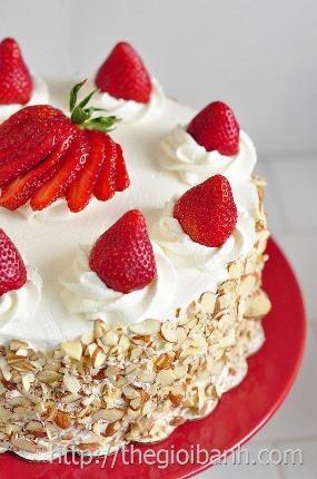 Cách làm bánh sinh nhật kem tươi đơn giản tuyệt ngon