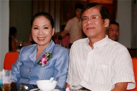 Dù bận rộn trong các hoạt động nghệ thuật nhưng nghệ sĩ ưu tú Kim Xuân luôn dành thời gian chăm lo cho chồng con. Cùng đến với gia đình của nghệ sĩ Kim