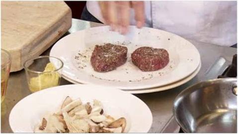 Cách làm nước sốt bò bít tết ngon như ngoài hàng