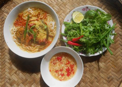Cách nấu bún cá ngừ Nha Trang cực ngon