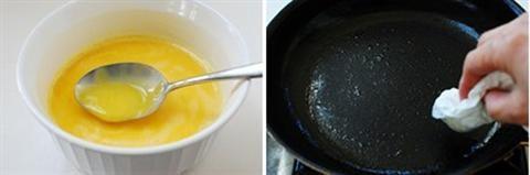 Những miếng trứng cuộn vàng ươm sẽ mê hoặc bất cứ ai thưởng thức. Chúng ta cùng bắt tay làm món trứng chiên cuộn cơm Hàn Quốc nhé! TRỨNG CHIÊN CUỘN