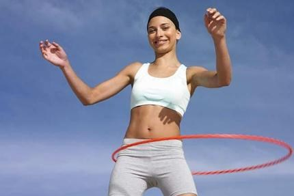 Cách chọn vòng để lắc eo cho hiệu quả giảm eo nhanh nhất. Nhảy dây hay lắc vòng đều là những bài tập vui, đơn giản, dễ dàng và mang đến lợi ích vô cùng hiệu