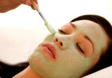 Cách sử dụng kem tẩy da chết đúng cách . Theo các chuyên gia chăm sóc sắc đẹp, việc tẩy da chết sẽ loại bỏ các tế bào chết và cả những chất cặn bã lẫn độc