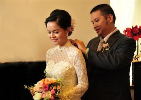 Váy cưới của Phạm Quỳnh Anh tuyệt đẹp và dịu dàng