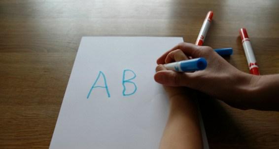 Cách dạy con viết chữ đẹp hiệu quả kinh nghiệmthành công của cha mẹ