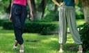 Cách mix đồ với quần alibaba cực cá tính cho bạn gái năng động