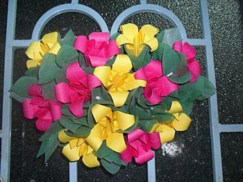 Cách xếp hoa huệ bằng giấy đẹp rực rỡ không kém hoa thật