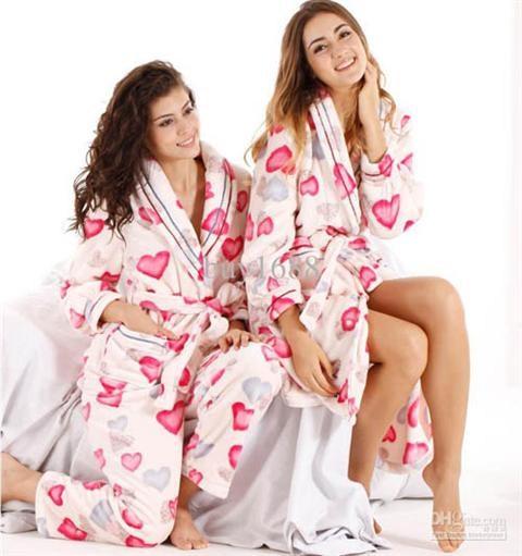 Những mẫu quần áo ngủ đẹp nhất cho ngày giao mùa