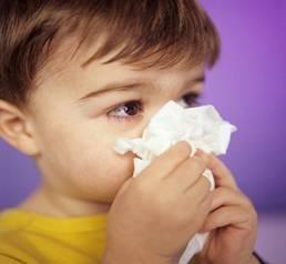 Cách chăm sóc trẻ bị viêm họng đúng cách cho bệnh nhanh khỏi. Viêm họng cấp là bệnh rất hay gặp ở trẻ nhỏ vào mùa lạnh. Chứng bệnh này rất nguy hiểm vì nếu