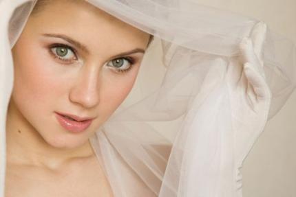 Xu hướng trang điểm cho cô dâu 2013