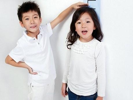 Làm gì để trẻ tăng chiều cao cho con? Trẻ ăn gì cho nhanh cao và khỏe mạnh? Ccác thức ăn giúp sự phát triển chiều cao của trẻ? Làm gì để tăng chiều