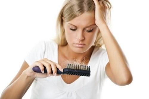 10 chiêu trị rụng tóc sau sinh cực hay cho các mẹ