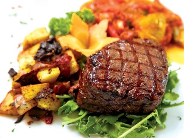 Thịt bòlà thực phẩm có thể chế biến được thành nhiều món ăn bổ dưỡng và hấp dẫn. Ngoài những món ăn quen thuộc như xào, hôm nay chúng tôixin giới thiệu với