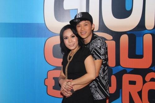 Vợ con Hoài Linh - Việt Hương và Hoài Linh có phải là vợ chồng thật không?